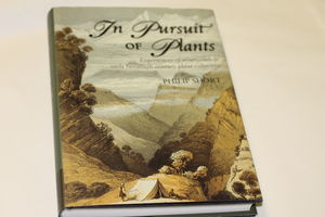IN PURSUIT OF PLANTS BY PHILIP SHORT
